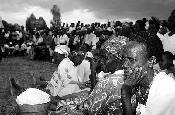 Réunion des veuves du génocide à Taba